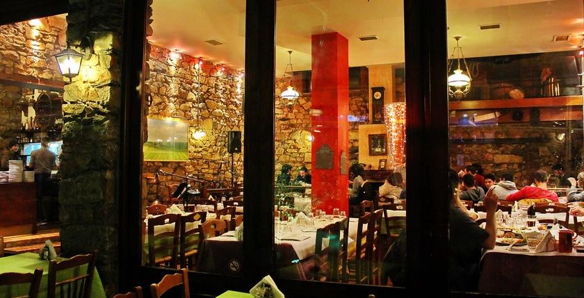 Filelloinon Restaurant 13