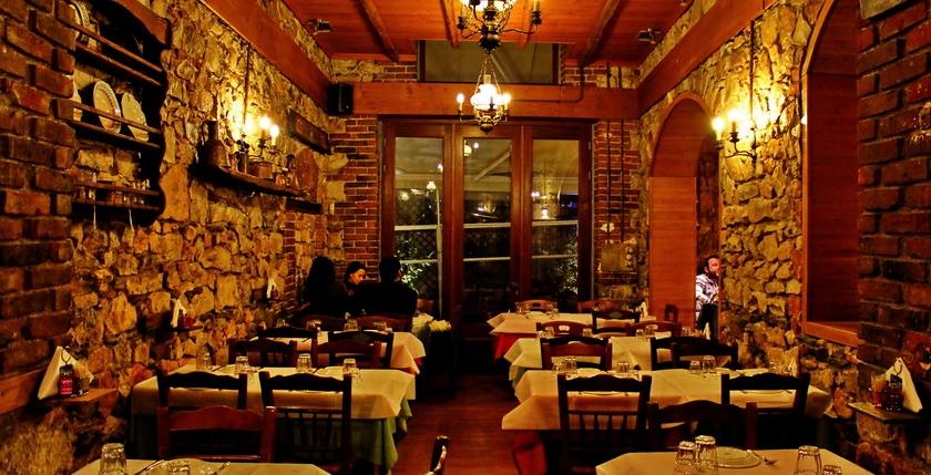 Filelloinon Restaurant 12