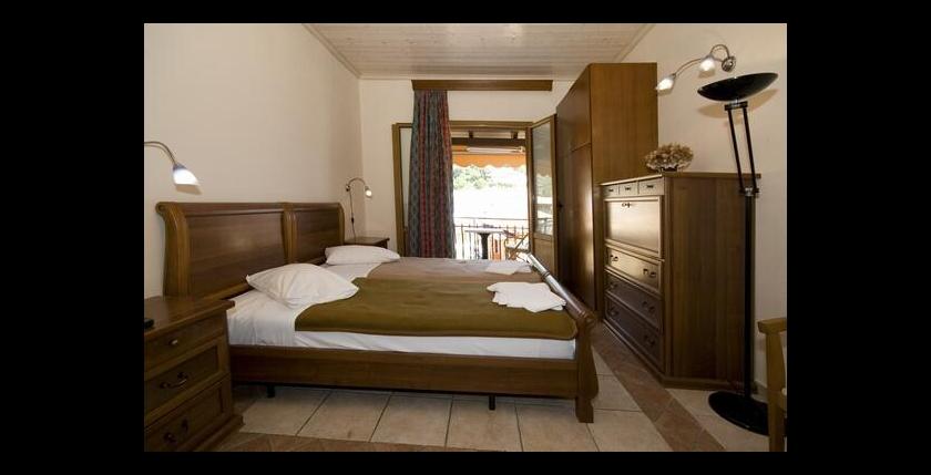 Tourist Hotel 5