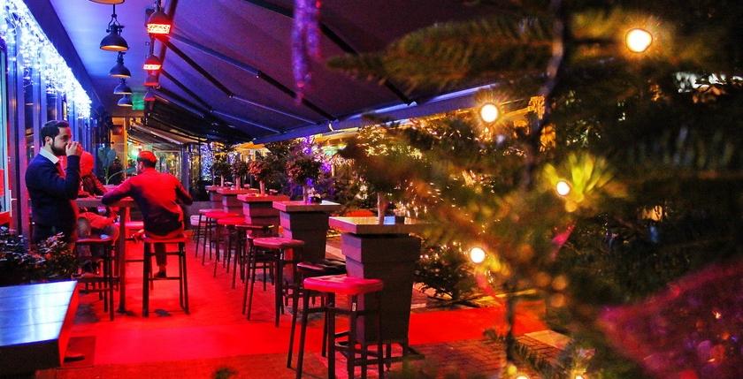 Cruzar Cafe Bar 8