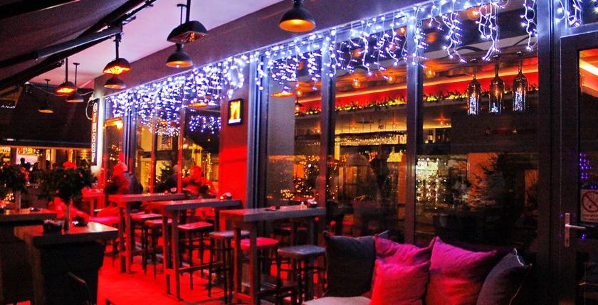 Cruzar Cafe Bar 15