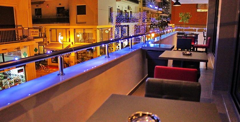 Cruzar Cafe Bar 6