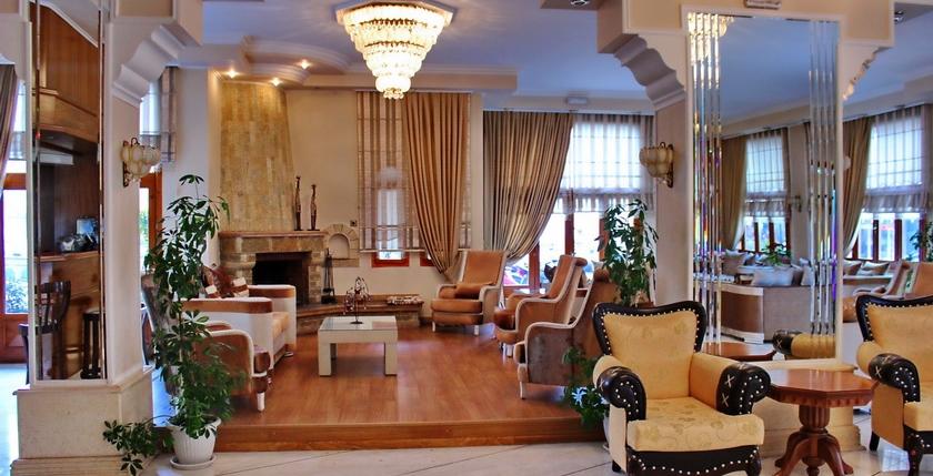 Famissi Hotel 5