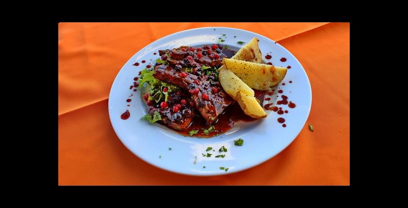 The Captains Restaurant 7