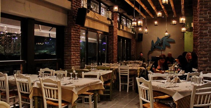 Ladofanaro Restaurant 15