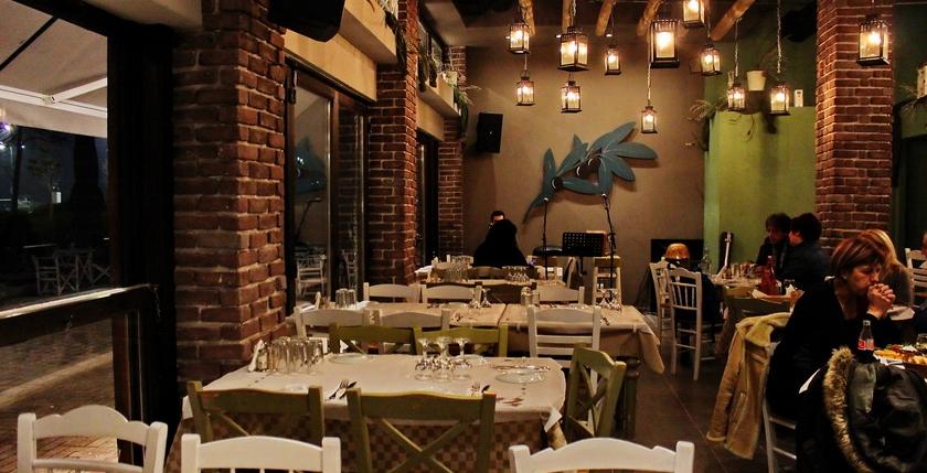 Ladofanaro Restaurant 10