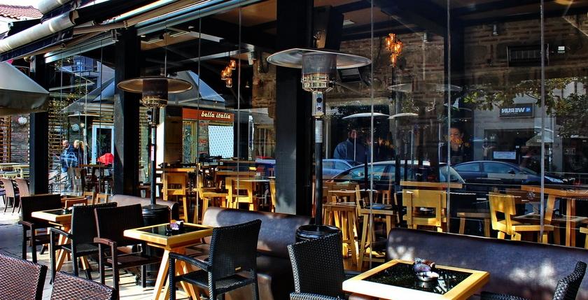 Sinatra Cafe & Wine Bar 12