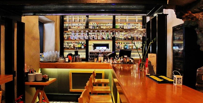 Sinatra Cafe & Wine Bar 6