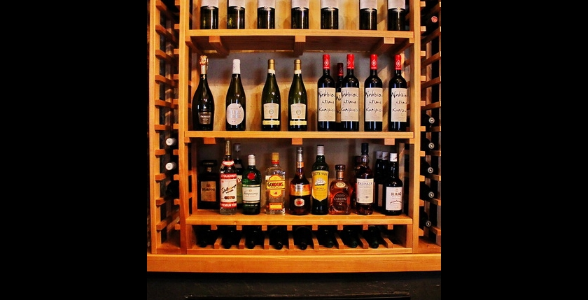 Sinatra Cafe & Wine Bar 7