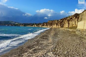 Santorini Vlychada