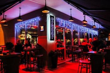Cruzar Cafe Bar